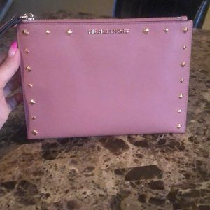 Price**IS NOT**Firm—Michael Kors XL Wristlet